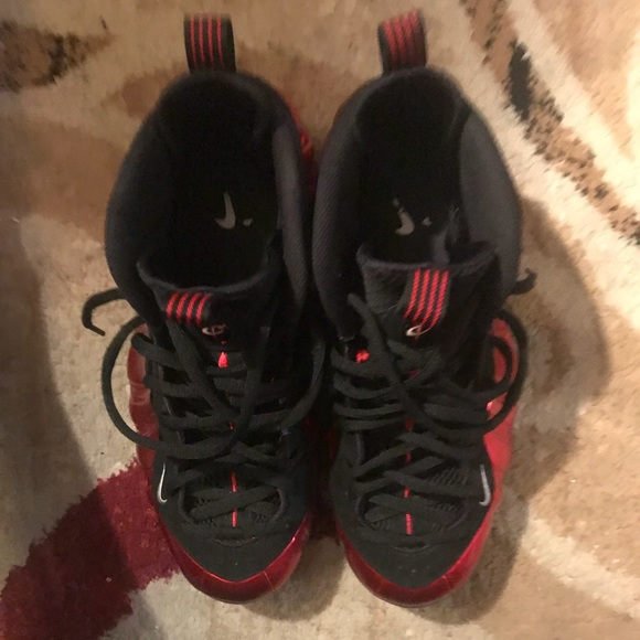 3643a27c1bde1 Nike air foamposite one metallic red ... M 5b89483c1b16db1c890d6f89